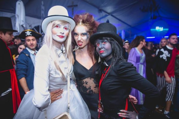 transylvania-dracula-tour-halloween-party