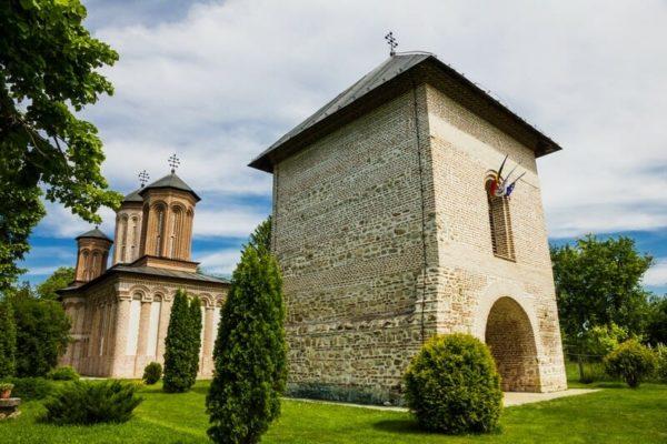 dracula-holidays-in-transylvania